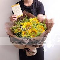 madame florist, jual handbouquet besar, jual bunga matahari, hand bouquet bunga matahari,