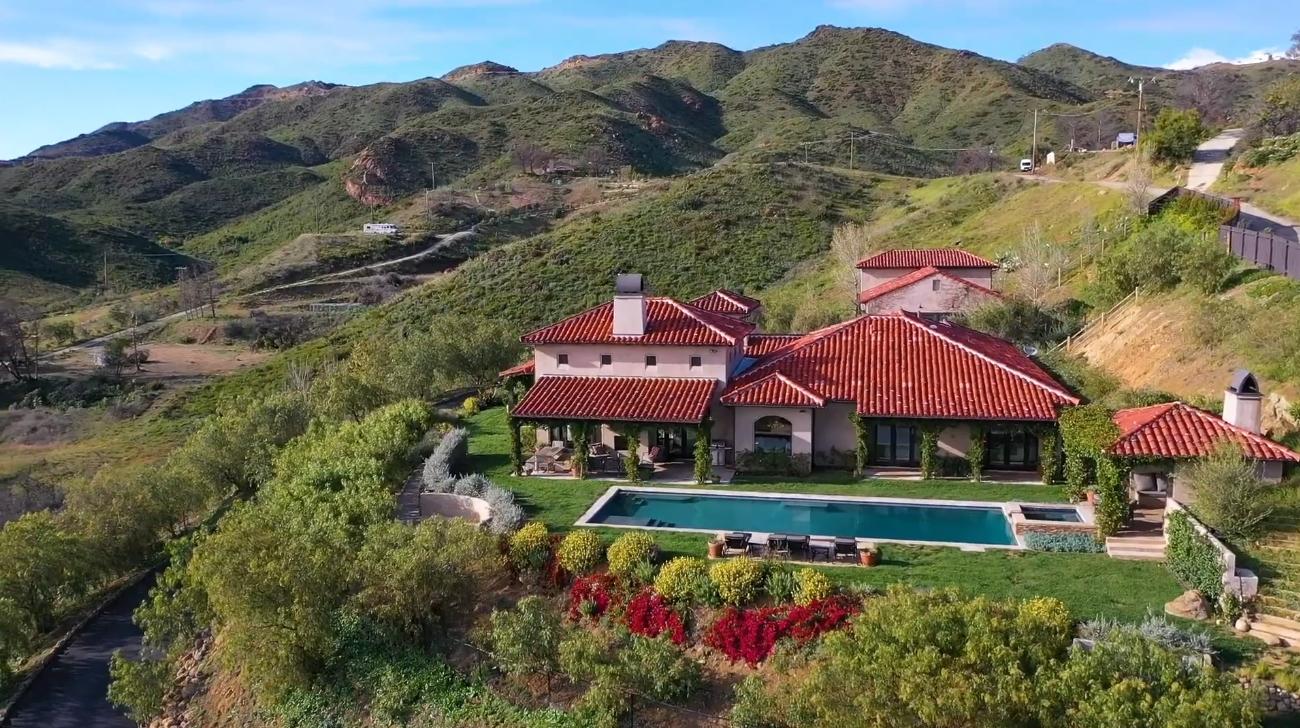 Home Interior Design Tour vs. 33383 Mulholland Highway | Malibu