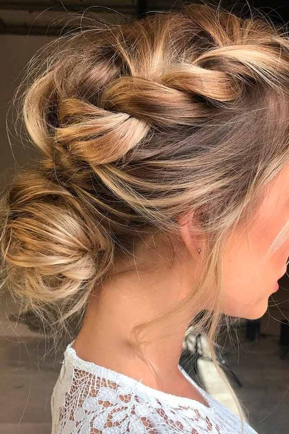 Easy Summer Hairstyles to Wear Poolside or on the Beach
