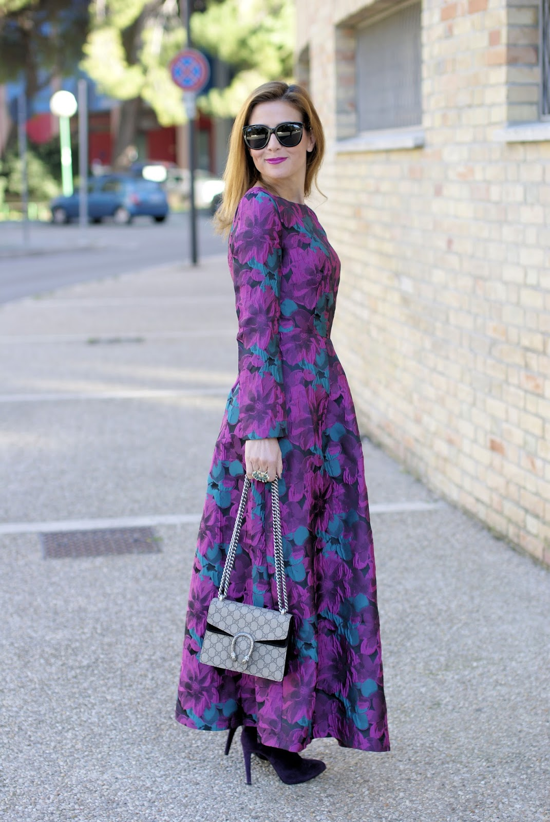 Floral maxi vintage dress, Sicky Eyewear S6 sunglasses and mini Gucci Dionysus bag on Fashion and Cookies fashion blog, fashion blogger style
