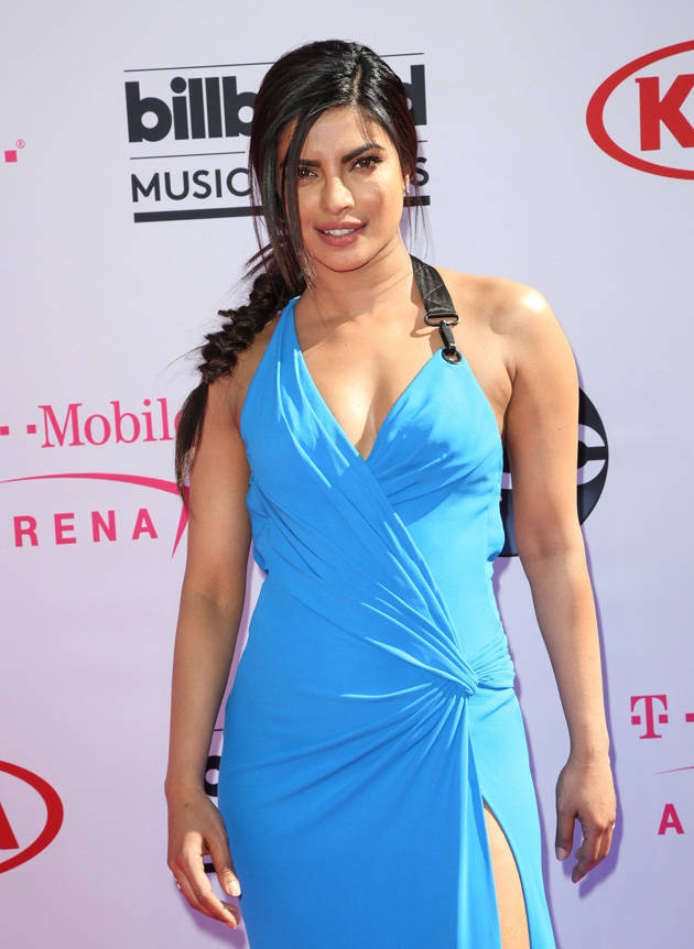 Priyanka Chopra Hot In Blue Dress Music Awards