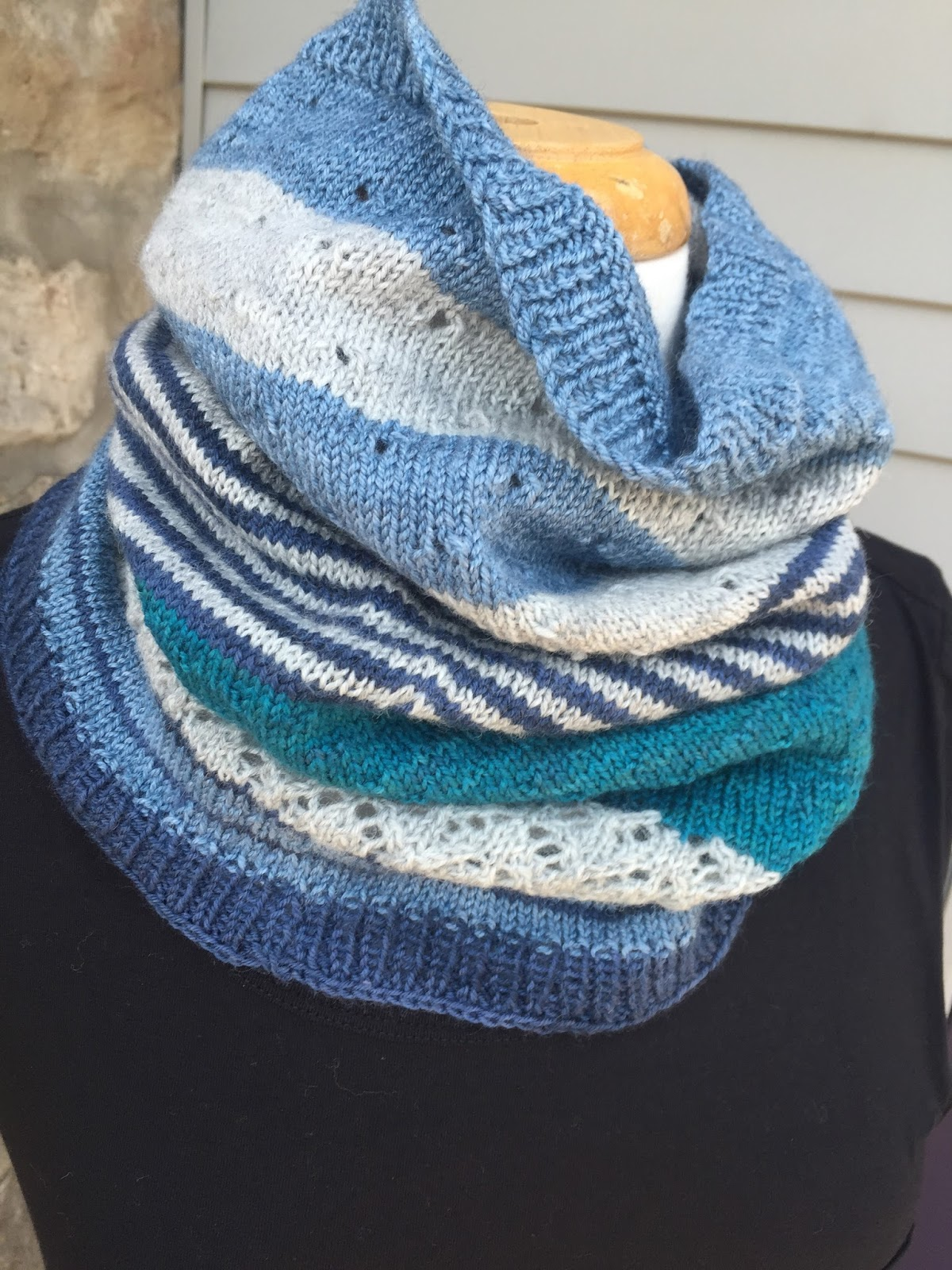 Knitting Pattern Cashmere Cowl : A Really Good Yarn: What weve knit Wednesday