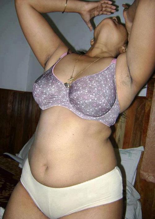 nude bhabhi exbii