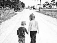 Kisah Inspiratif : Bocah 8 Tahun Selamatkan Adiknya Dengan 'Keajaiban'