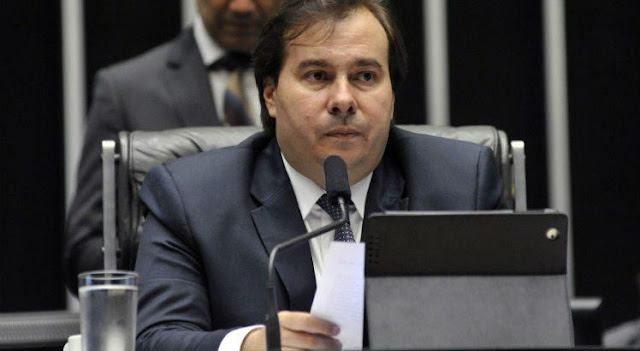Rodrigo Maia: 'O Congresso não é obrigado a ouvir o povo. Isso aqui não é um cartório onde a gente carimba o que o povo tá pedindo'