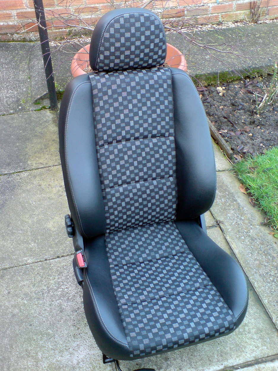 Pleasing New Mg Zr Half Leather Matrix Seats Mg Rover 25 Build Blog Machost Co Dining Chair Design Ideas Machostcouk