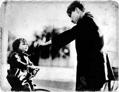 "Чарли Чаплин и Джеки Куган на съемках ""Малыша"""