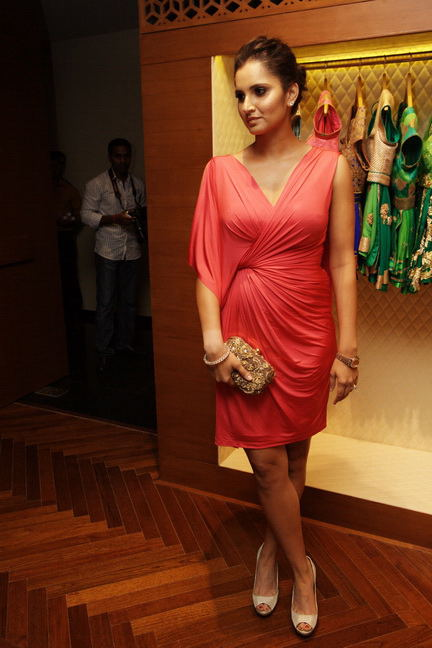 Elegant Sania mirza looking beautiful in red dress