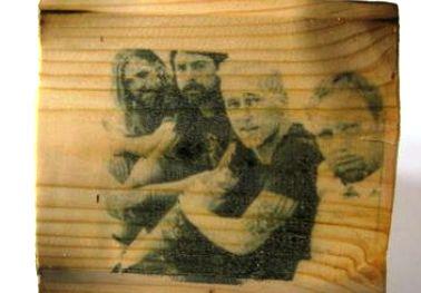 Proses Pemindahan Gambar dari Kertas ke Kayu