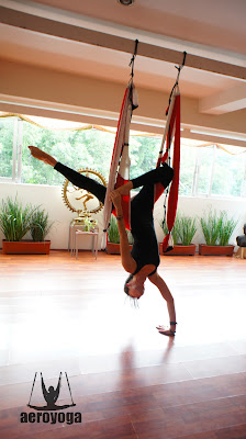 yoga, airyoga, aerial yoga, yoga aereo, yoga aerea, body, fly, flying, trapeze, acro, danza aérea, formación yoga aéreo, certificación yoga aéreo