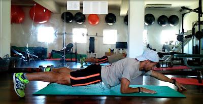 Exercício eficaz para perder barriga - Prancha Dinâmica