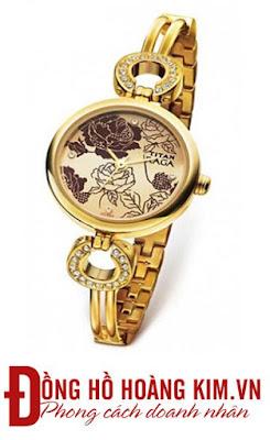 Đồng hồ titan nữ mang âm hưởng cổ điển kết hợp với hiện đại