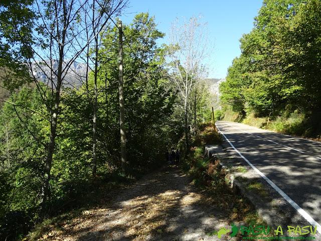 Ruta Vega Pociellu y Bosque Fabucao: Inicio de ruta