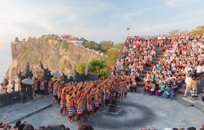 Gambar Wisata Pura Uluwatu Bali