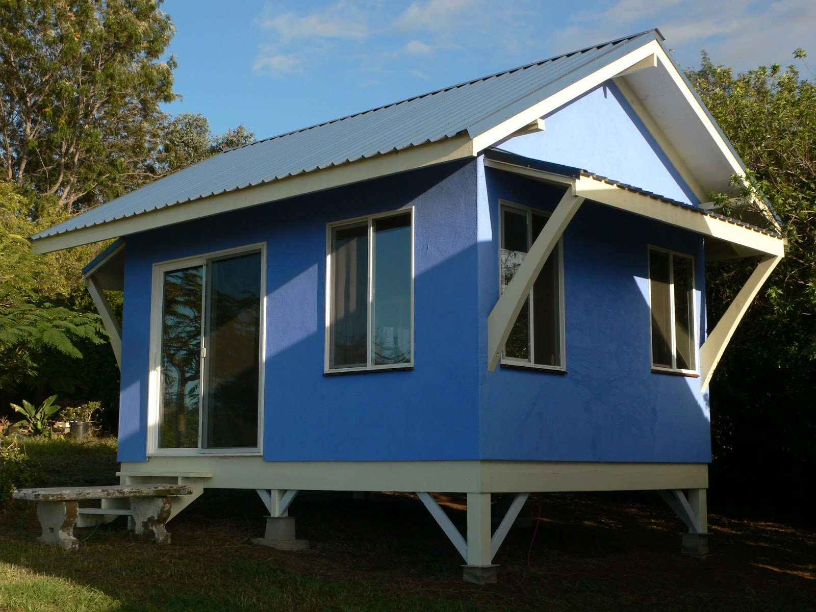 50 photos of small but beautiful and low cost houses that for Low cost home plans to build