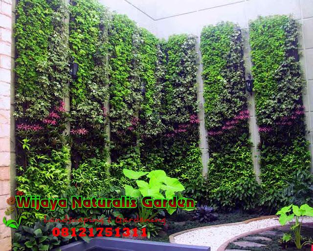 Taman vertikal surabaya,tukang taman vertikal surabaya, jasa pembuatan taman vertikal surabaya
