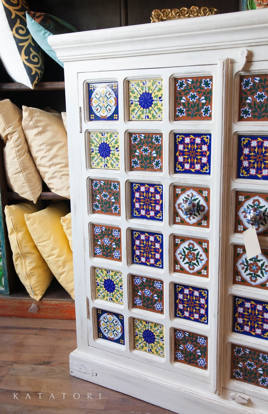 Katatori interiores muebles y azulejos for Muebles poligono el manchon