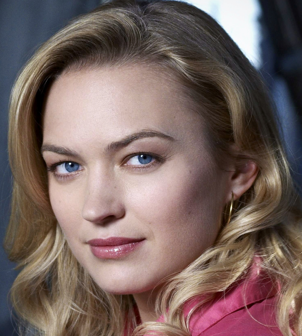 Sophia Myles (born 1980) Sophia Myles (born 1980) new photo