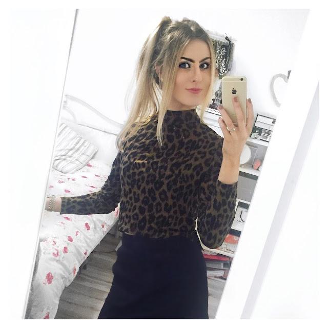 denim skirt leopard topshop outfit