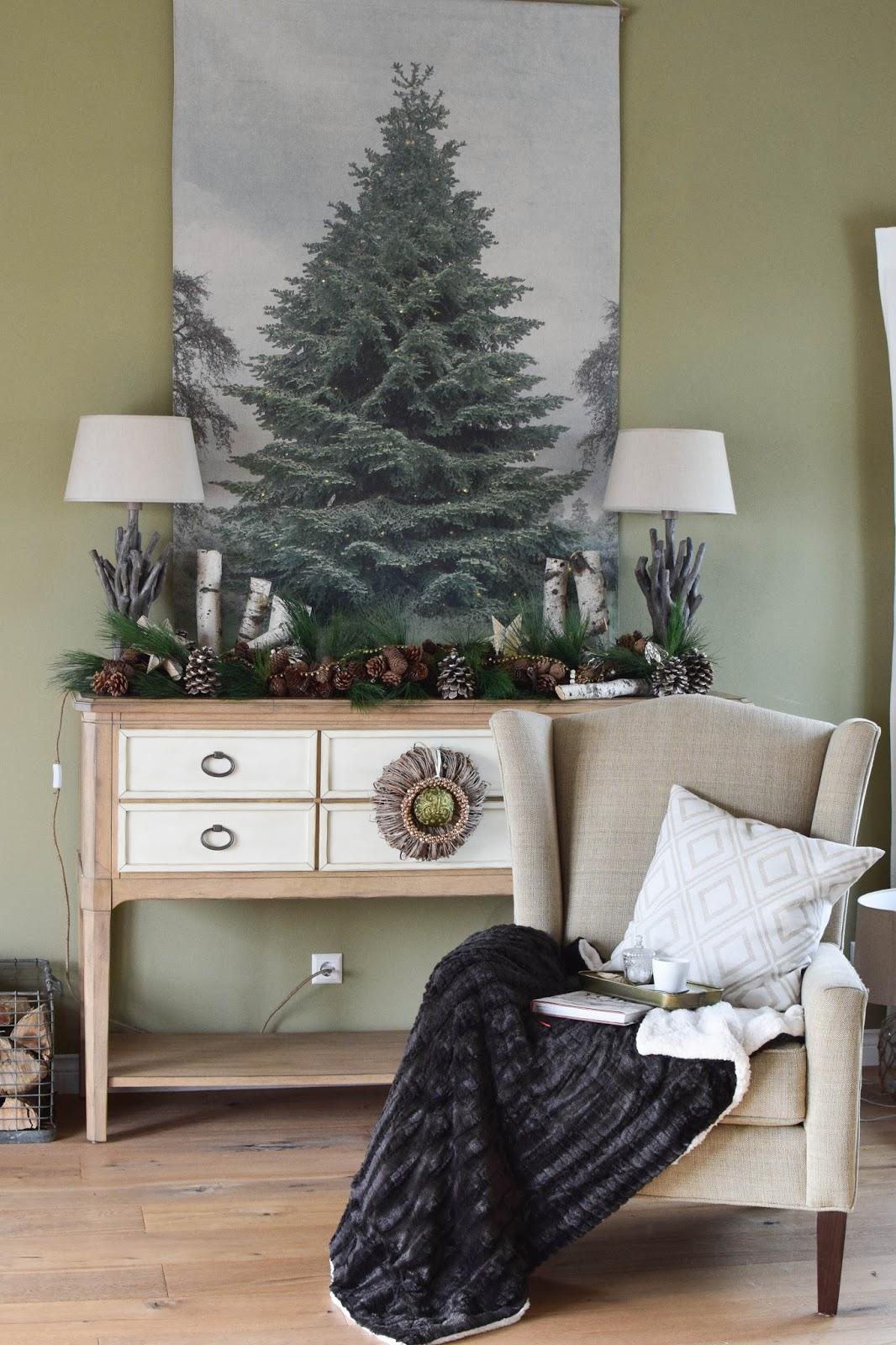 Weihnachtsbaum für die Wand: Weihnachtsdeko mal anders. Einfach und schnelle mit Lichterkette Tannenbaum auf Leinwand, Dekoidee, Deko, Weihnachtsdeko, Wohnzimmer, Sideboard, natürliche Deko