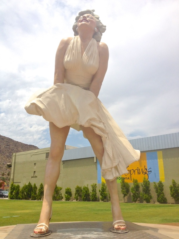 Giant Marilyn Monroe statue Palm Springs