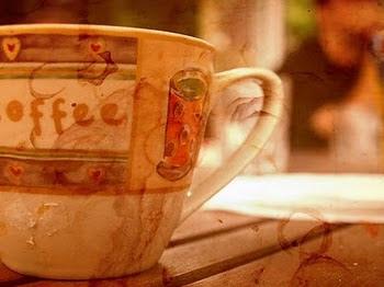 Susurros del tiempo Ester Del Pozo Merino café