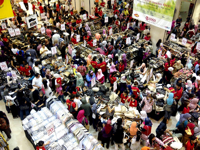 Berbelanja di bulan Ramadan