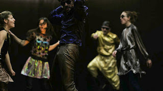 """Risk"", σε χορογραφία Ιωάννας Πορτόλου."