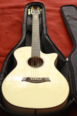 Bán Đàn Guitar Acoustic CC300 giá 3 triệu 5