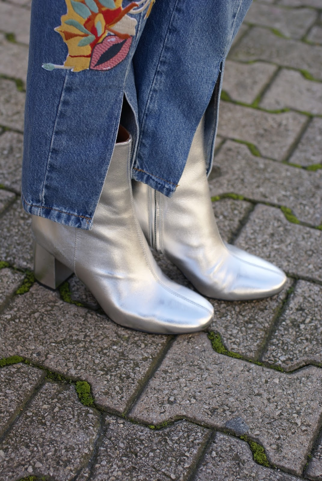 & Other Stories silver ankle boots on Fashion and Cookies fashion blog, fashion blogger style