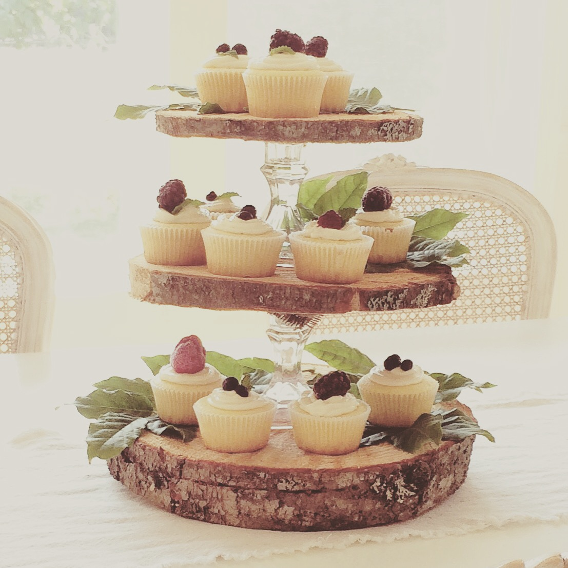 Little Farmstead: Rustic 3-Tier {Cupcake} Stand