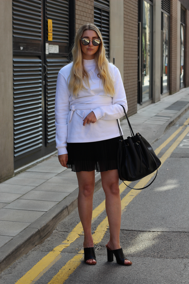 how to style sweatshirt fashion blog