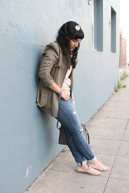 Madewell Rip and Repair Ripped Jeans Outfit Inspiration