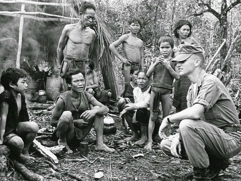 55 Incredible Black and White Photos of Vietnam War ...