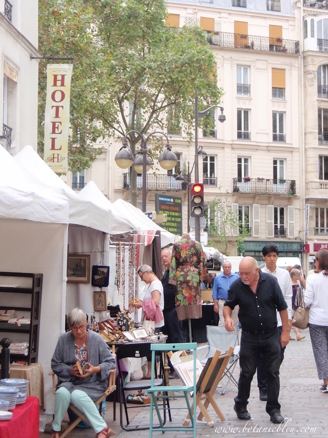 rue-cler-brocante-white-tents
