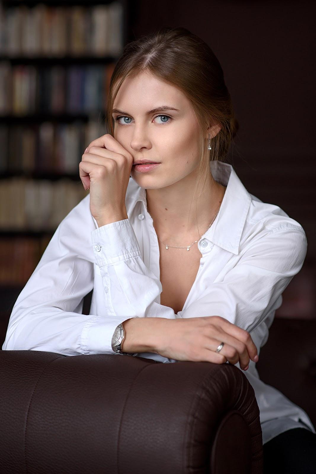 Анна. Портрет в студии