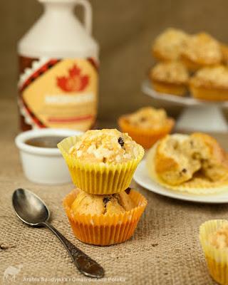 Klonowe muffinki z orzechami lub owocami