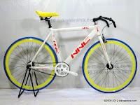 A 700C NNC Alumunium Alloy Frame Fixed Gear Bike