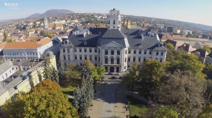 feaecd9858 2017. szeptember 1-jén és 2-án, pénteken és szombaton rendezik meg  városunkban az I. VINO kóstoló ünnepet, az Egri Borút Egyesület és az  Eszterházy Károly ...