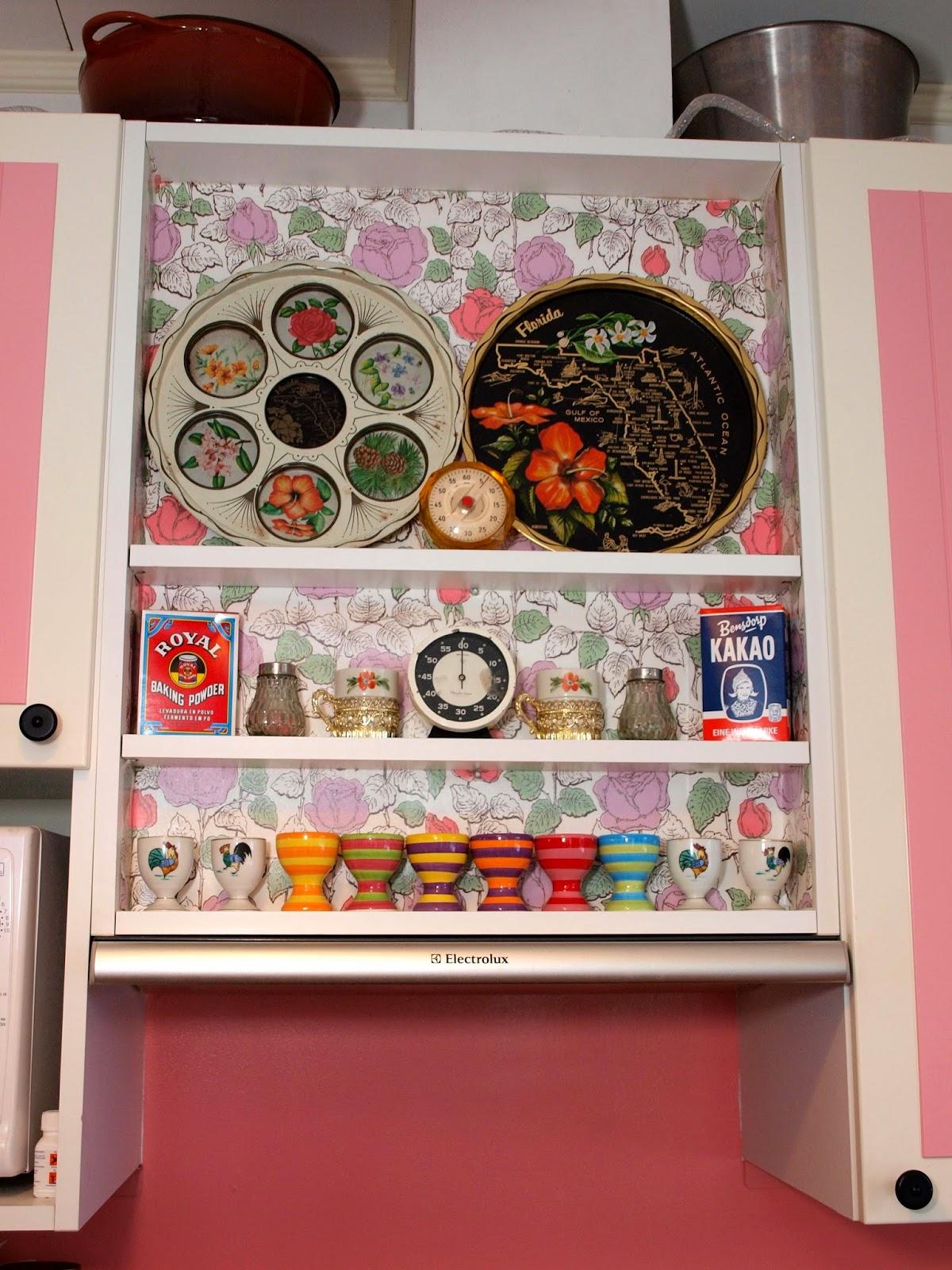vintage pink kitchen 50's florida tray Pihlgren Ritola Tapettitalo Kihlaruusu