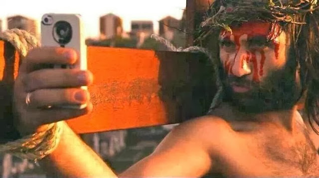 Funny Jesus Selfie Pictures - Jesus on the cross