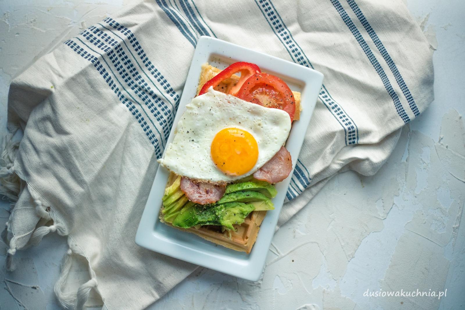 przepis na wytrawne gofry śniadaniowe