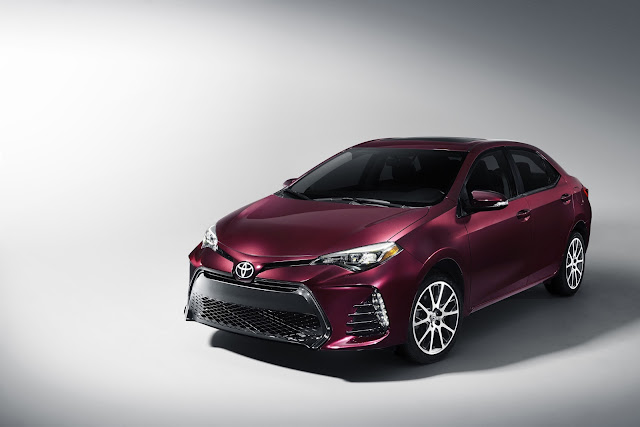 Front 3/4 view of the 2017 Toyota Corolla 50th Anniversary Special Edition