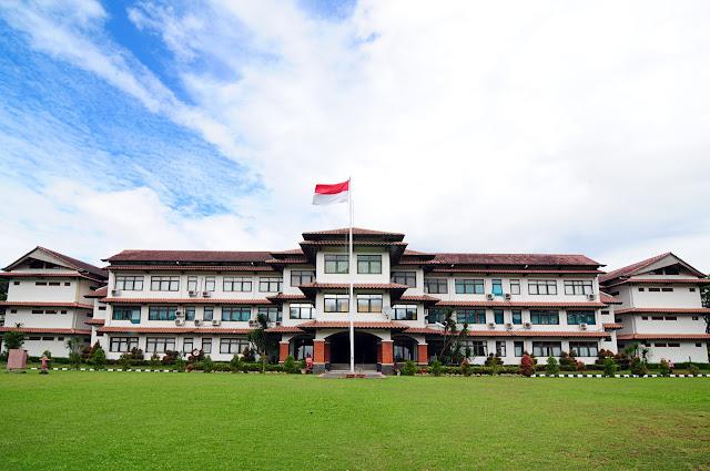 Islamic Boarding School Menjadi Institusi Pendidikan
