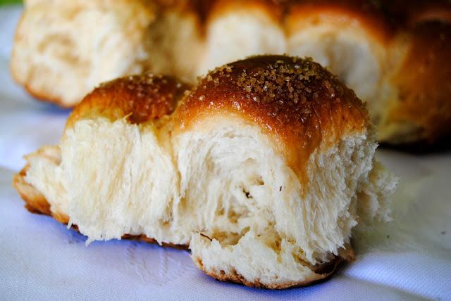 Brioche a la Crema Pastelera (Pane Sofficissimo alla Crema Pasticcera)