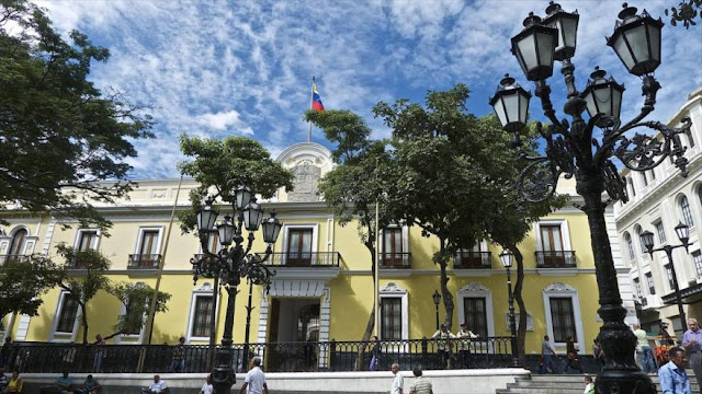 Venezuela denuncia apoyo de la oposición a las sanciones de EEUU