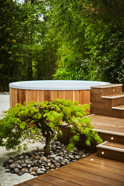 hot tubs at aqua sana sherwood forest center parcs