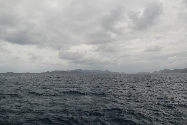 Mar, gris, nublado