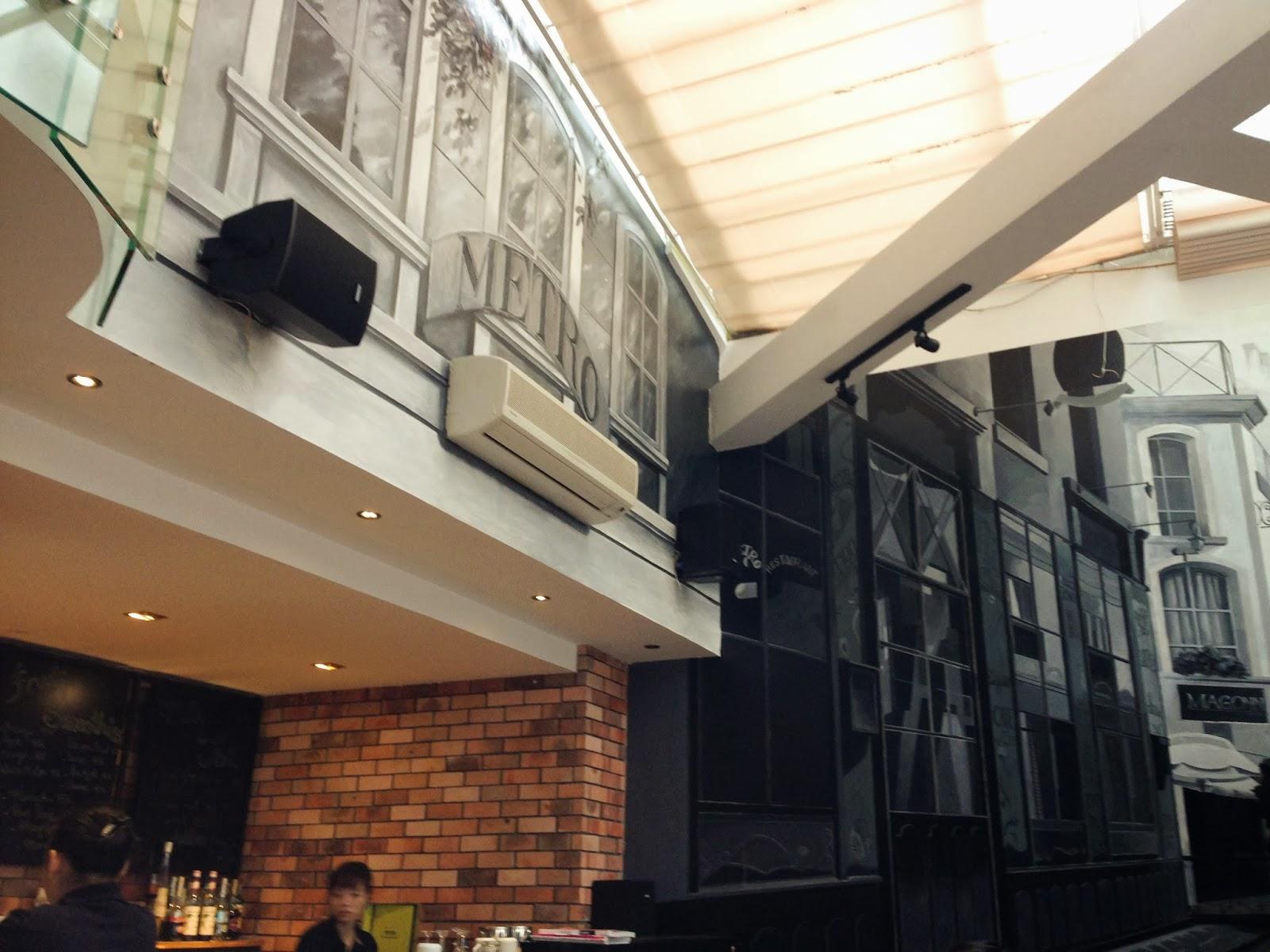 METROCAFE-hanoi-vietnam メトロカフェ店内2