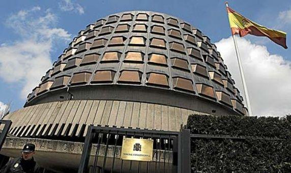 Tribunal español suspende pleno de Parlamento catalán sobre 1-O